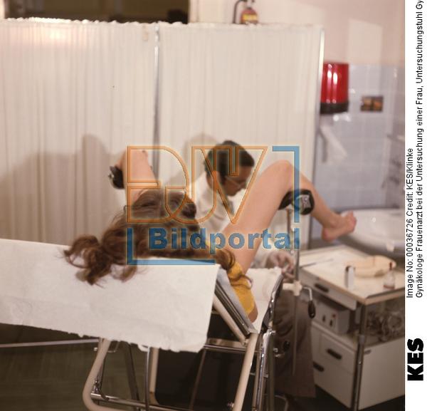 schwangere beim frauenarzt gevoegelt