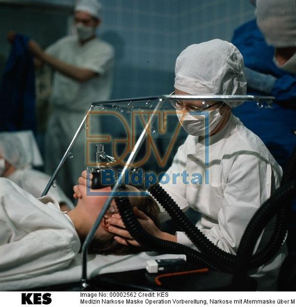 Details Zu #0900002562 - Medizin Narkose Maske Operation Vorbereitung Nark - DJV-Bildportal